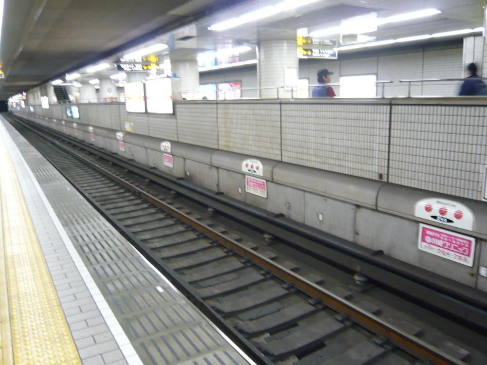 地下鉄乗車位置広告